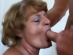 Mom has fun with guy in doggy style