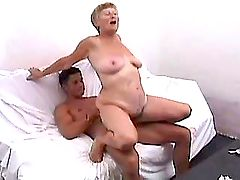 Lewd mature has hard fuck and gets cumshot on tits